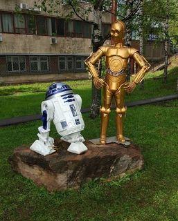Скульптура с персонажами Звездных войн