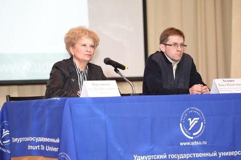 Ректор Г.В Мерзлякова и П.М. Ходырев