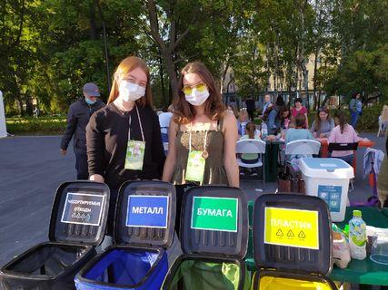 Волонтеры УдГУ на фестивае Читай-Ижевск