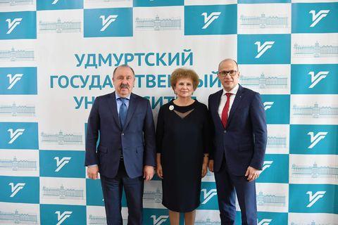 Ректор УдГУ с Главой УР и Председателем Комитета по делам национальностей ГД РФ